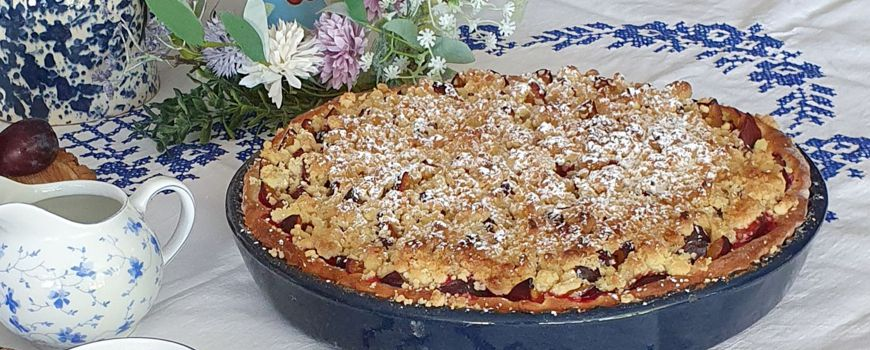 Zwetschgenkuchen in der Elsässer Tarteform gebacken