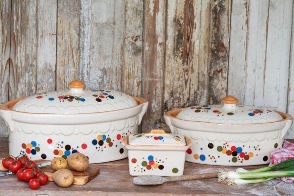 """Der """"Bäckeroffe"""" ist der ideale Brotbacktopf, Konfetti-Dekor - auch zum Schmoren geeignet, holzbackofenfest"""