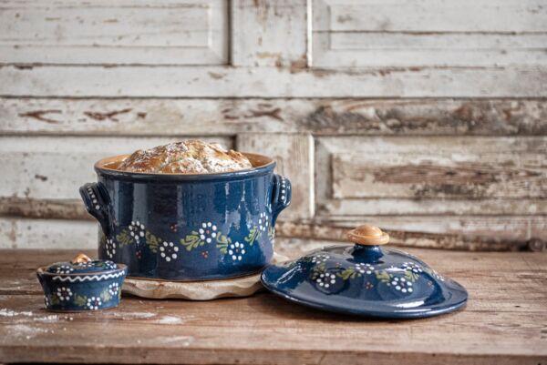 Brotbacktopf, blau mit floralem Dekor - auch zum Schmoren geeignet, holzbackofenfest