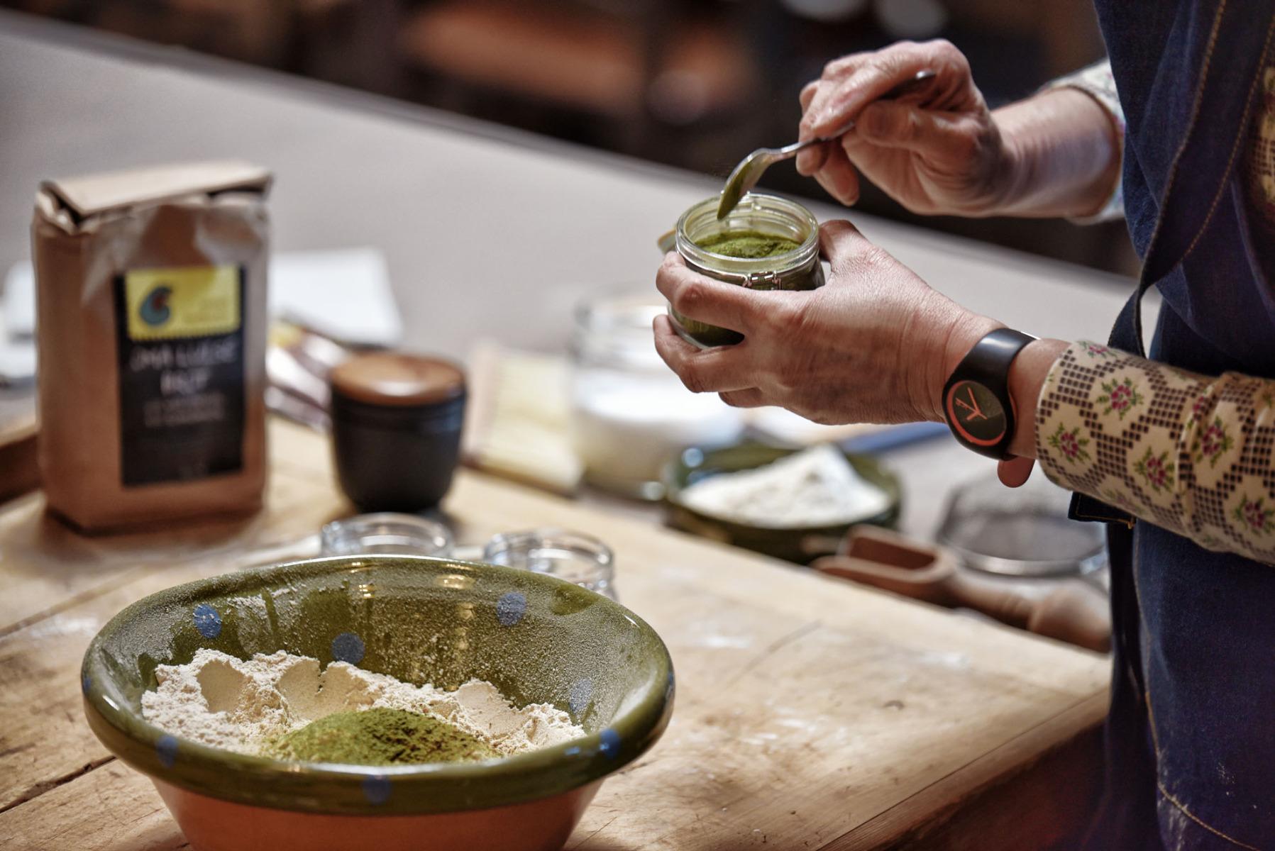 Brotteig-Zubereitung - Schabziger Klee