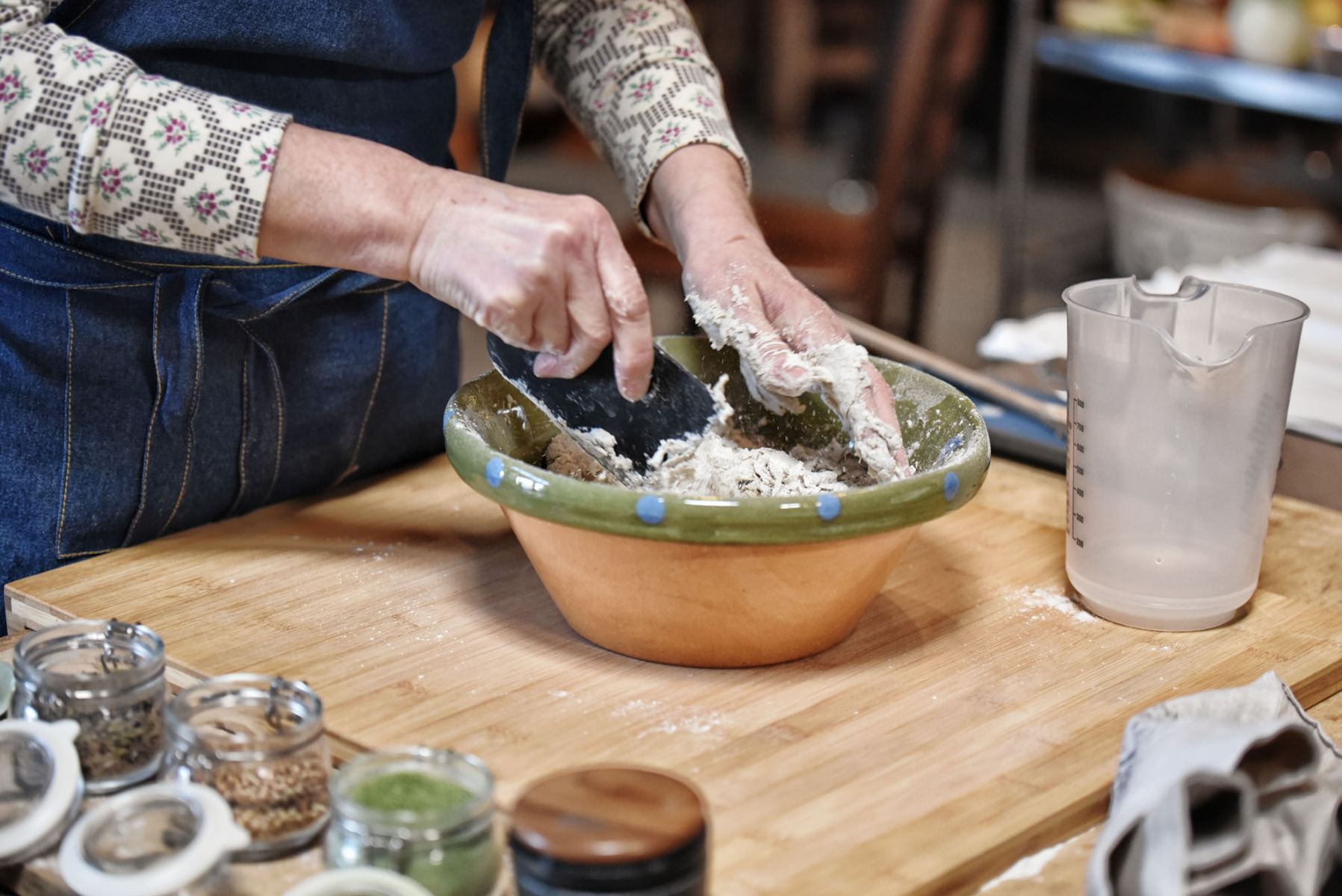 Brotteig-Zubereitung - Kneten Schüssel