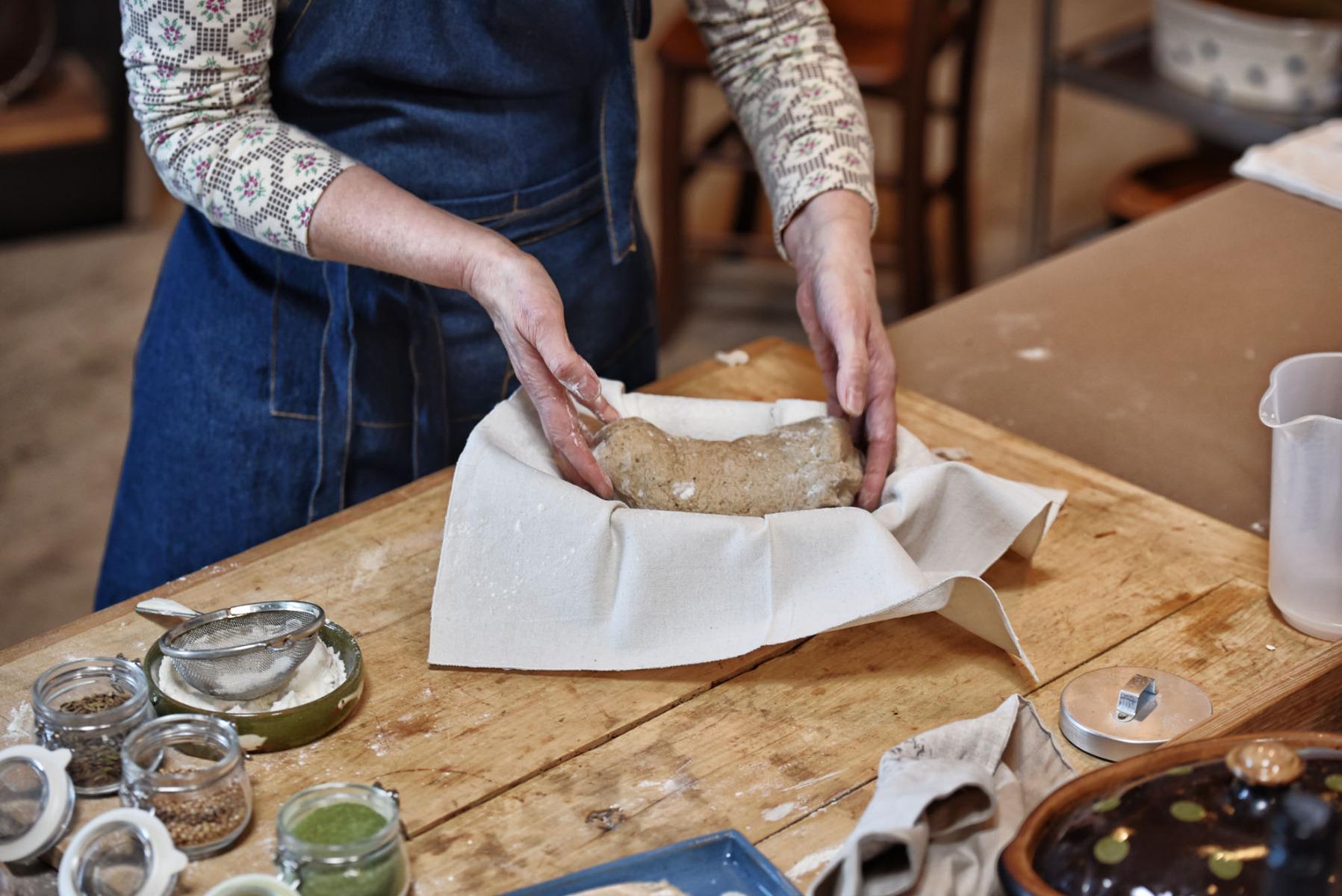 Brotteig-Vorbereitung - Teig zum Ruhen